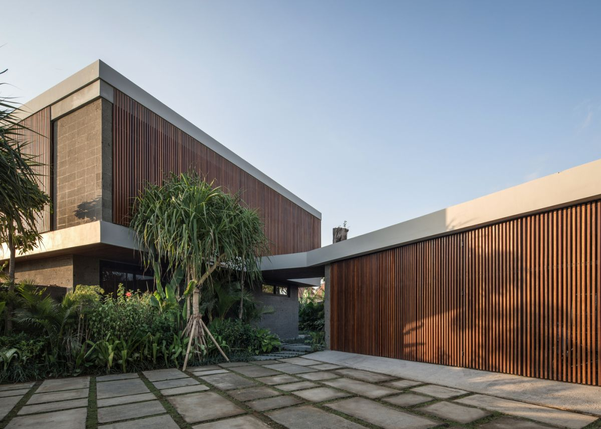 The palette of materials for this project includes lots of wood and sandstone