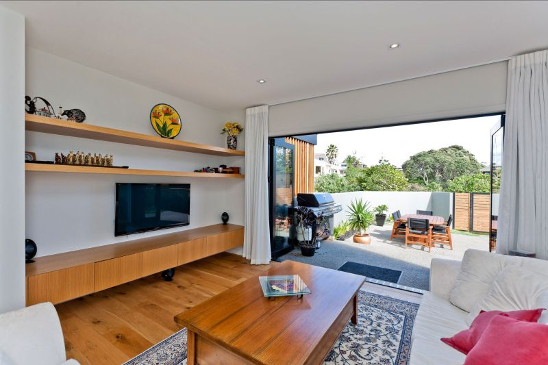 Rothesay Bay house indoor outdoor transition