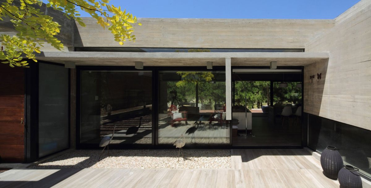 S & S House in Argentina courtyard view of interior