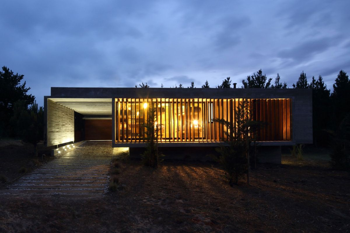S & S House in Argentina facade at night