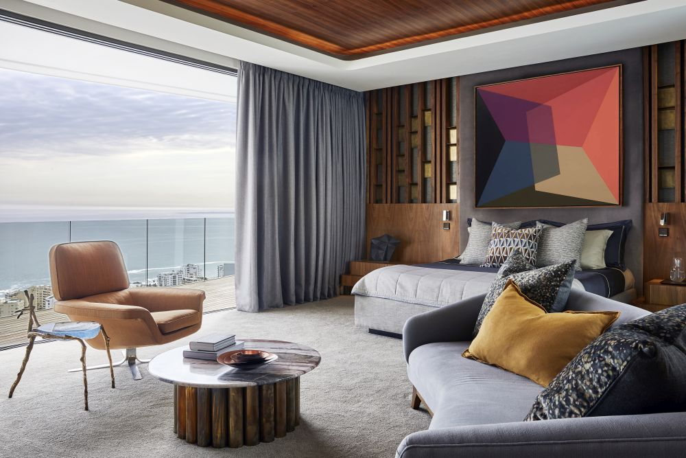 The house is located in Cape Town and offers gorgeous views which can be enjoyed from all main areas