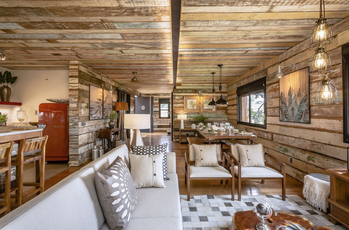 Lots of reclaimed wood was used to cover some of the walls and ceilings, giving the spaces a very cozy feel