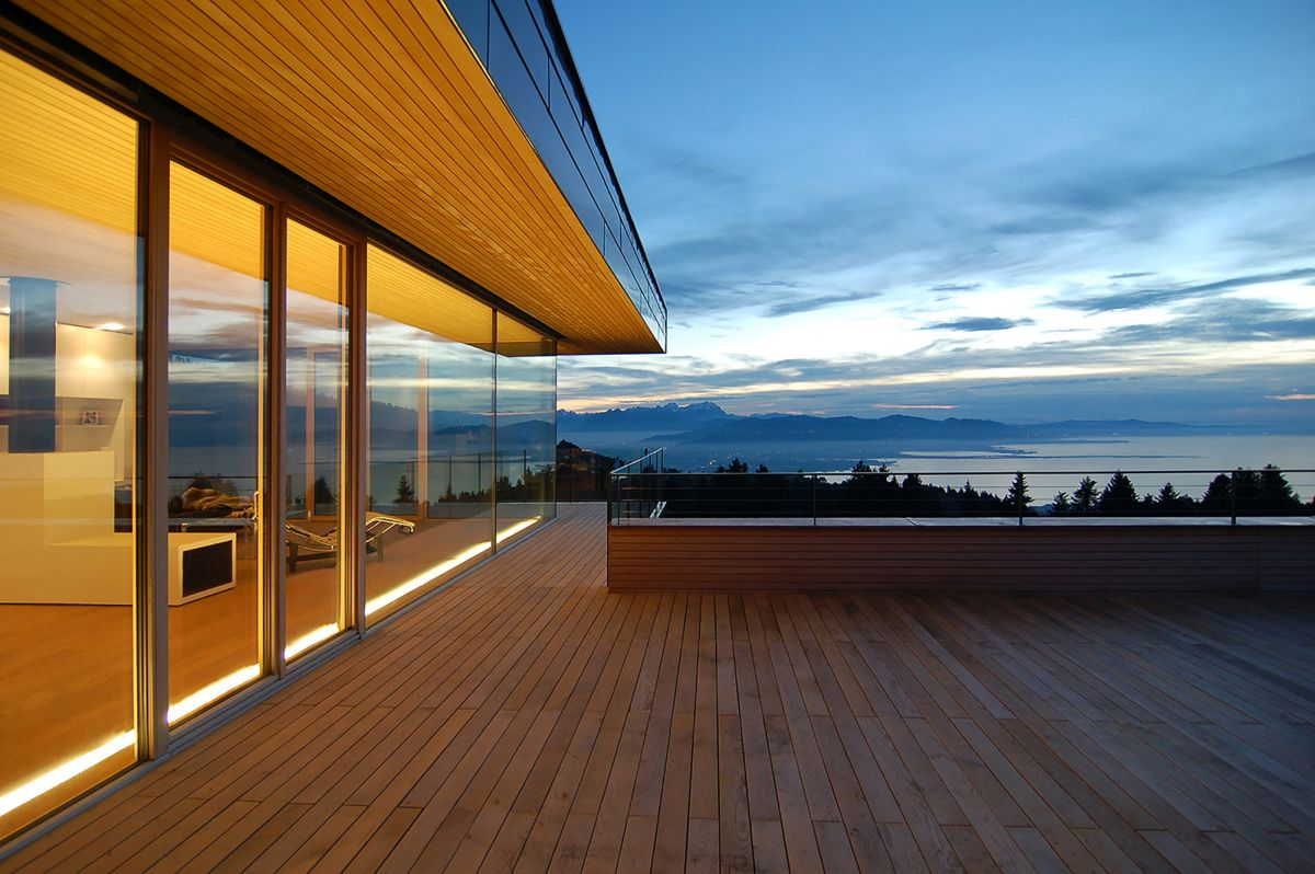 Single family home with clear view Porch