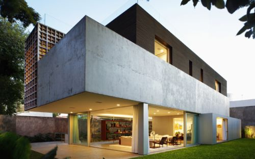 Sumare House by Isay Weinfeld1