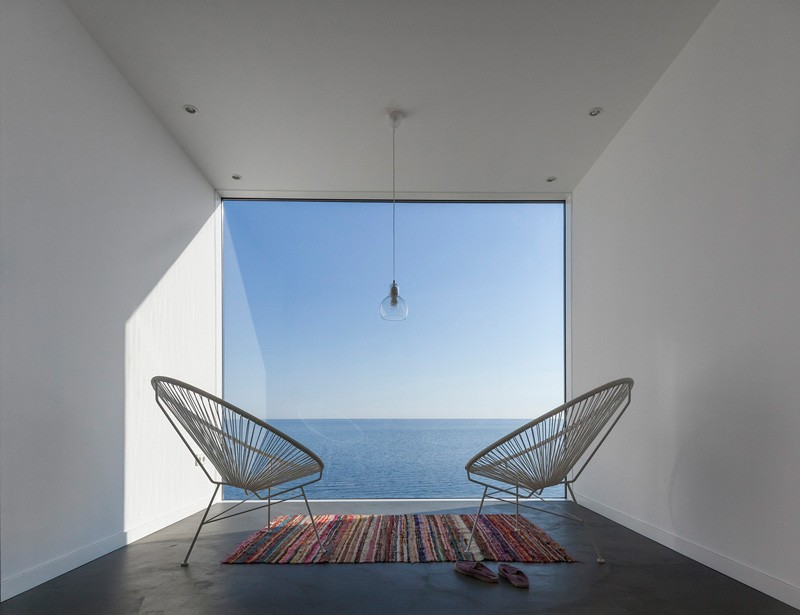 Sunflower-House-acapulco-chairs