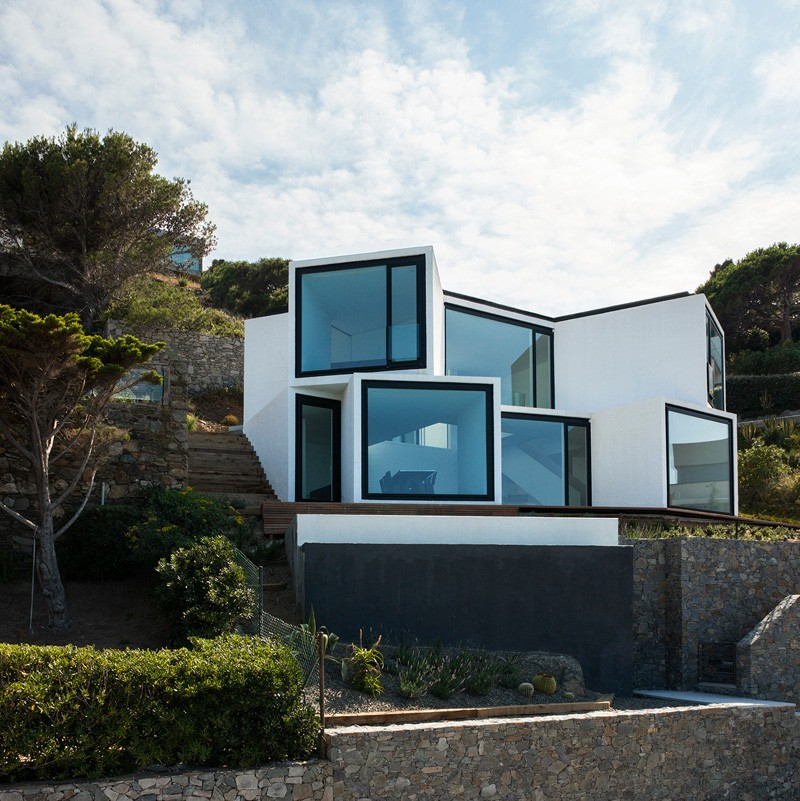 Sunflower-House-modern-architecture-clean-lines