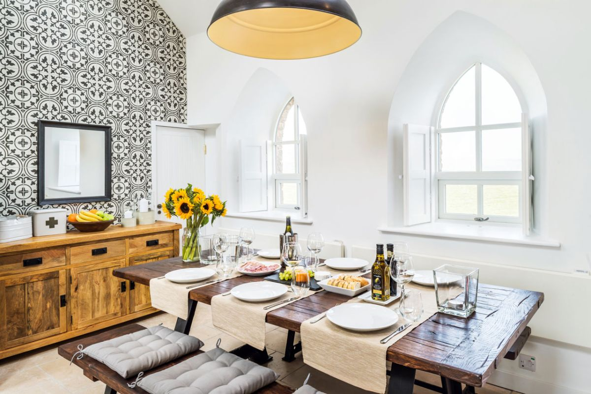The Chapel holiday cottage dining table decor