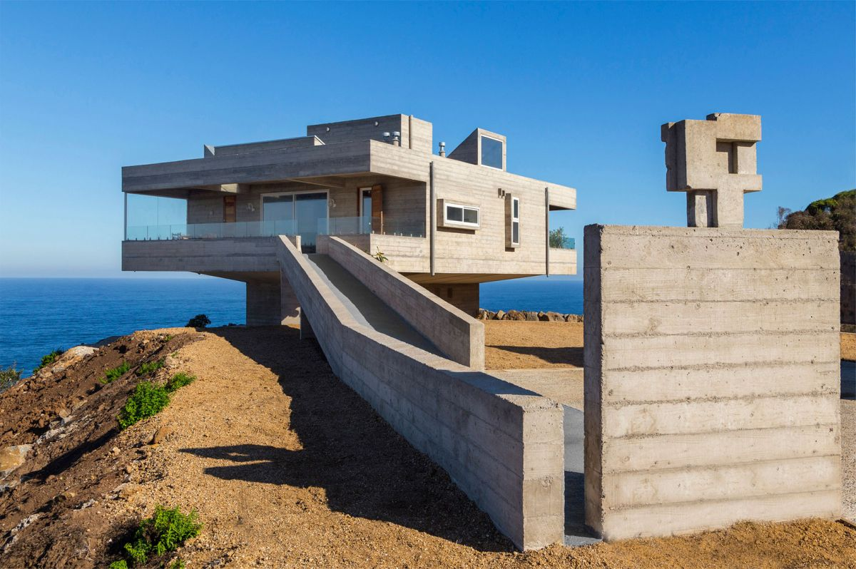 The Mirador House ramp connected to terrace