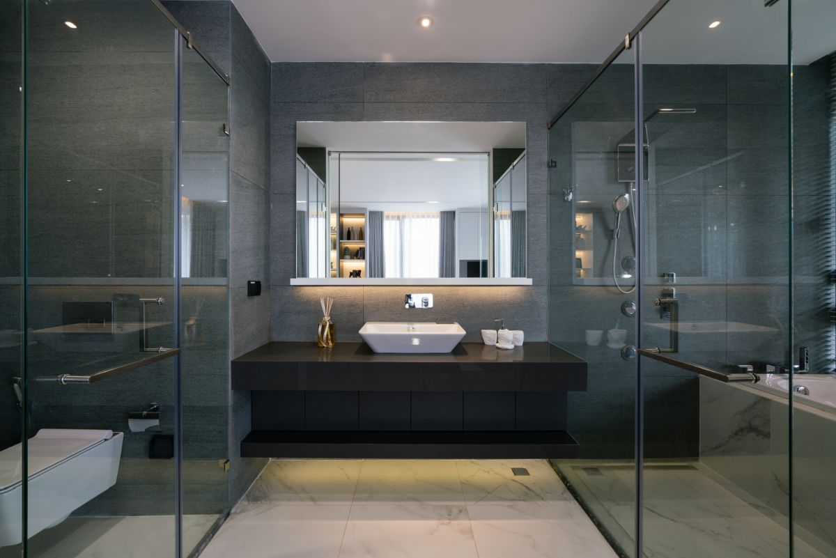 The overall impression when it comes to the interior design is that of a seamless and airy home