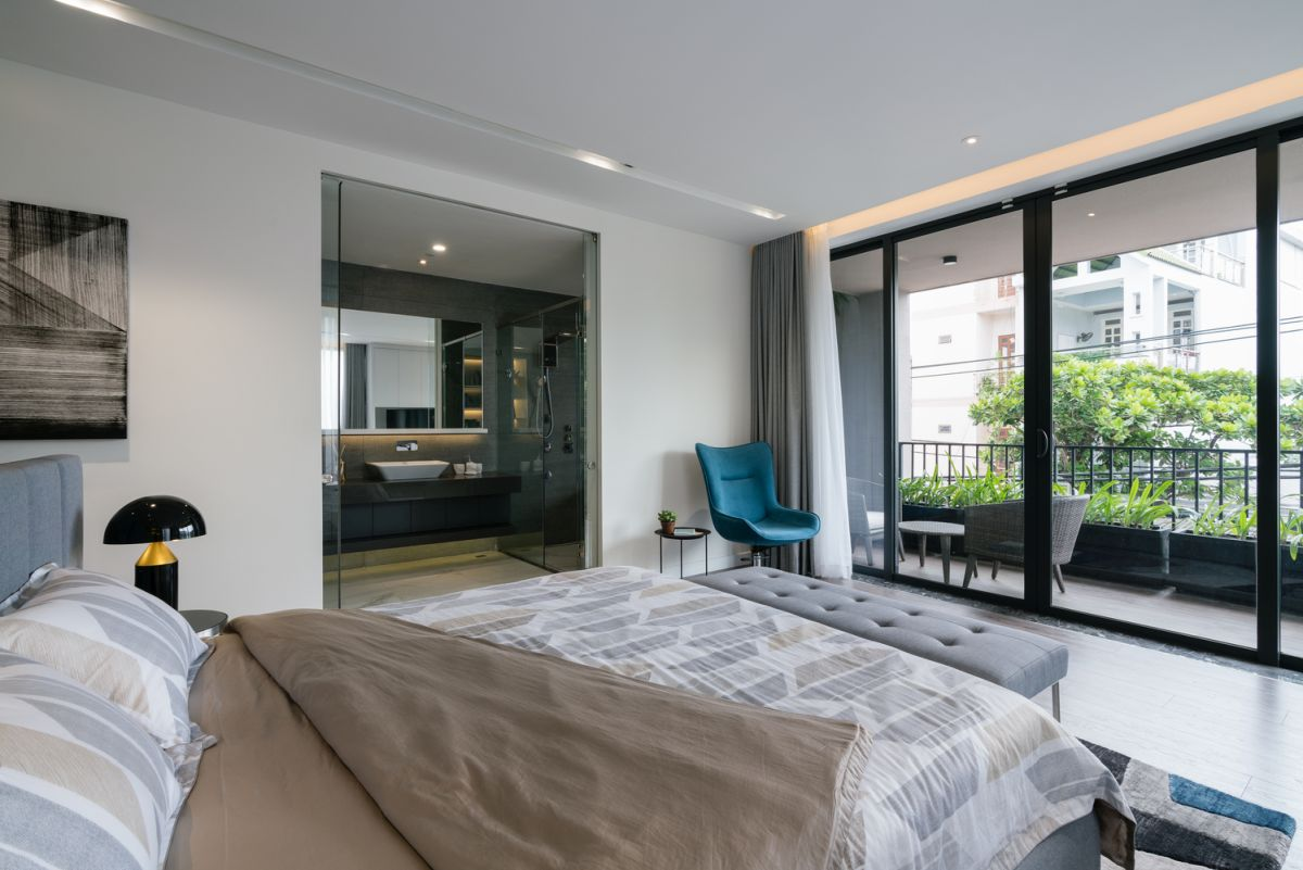 The bedroom suites have access to covered balconies and this brings them closer to nature