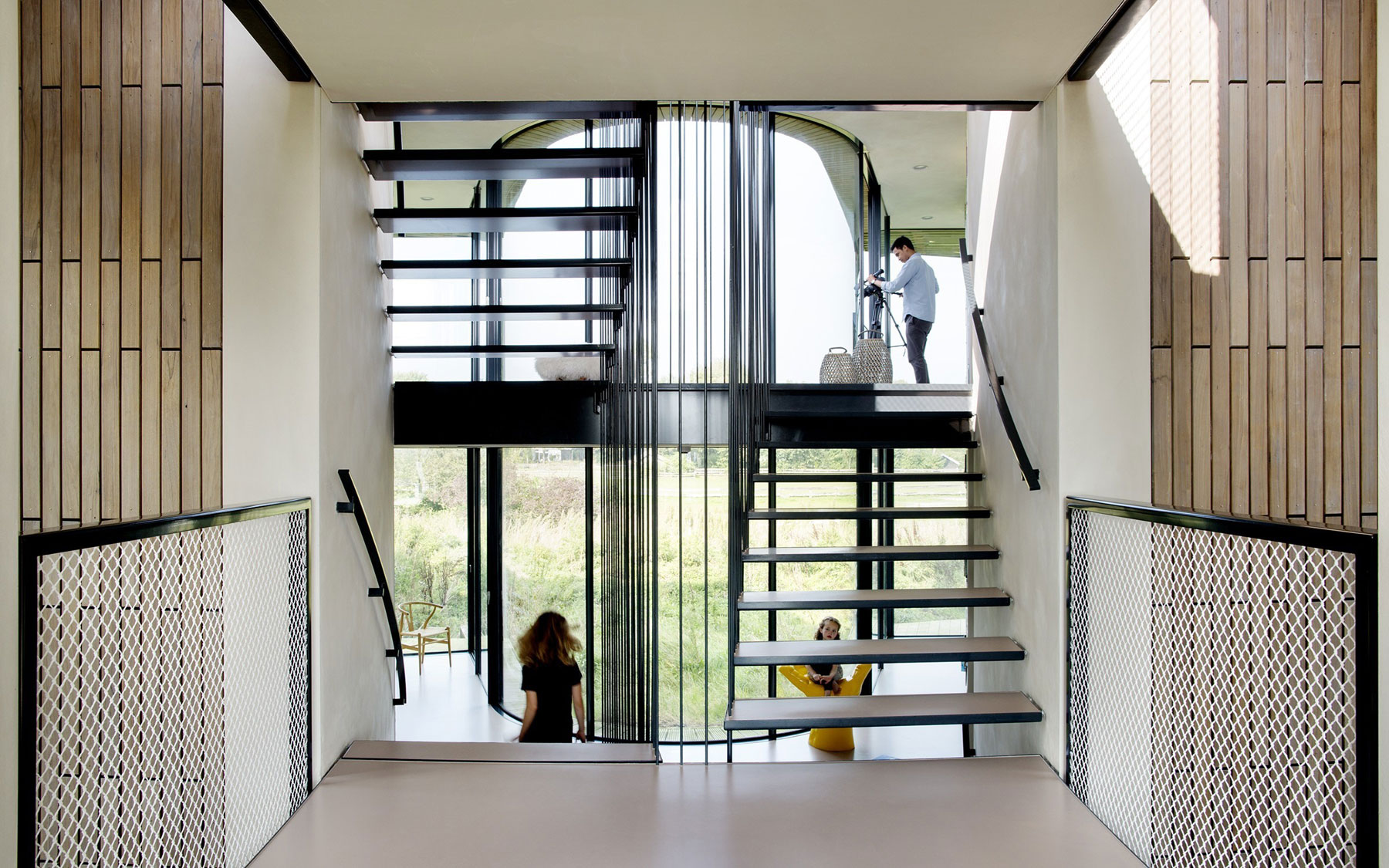 The-W.I.N.D-House-staircase1