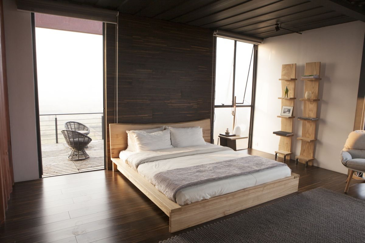 The bedrooms are connected to open terraces which bring in natural light and panoramic views