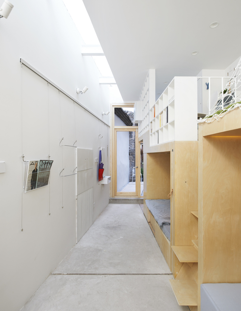 Tiny house in Dongcheng hallway