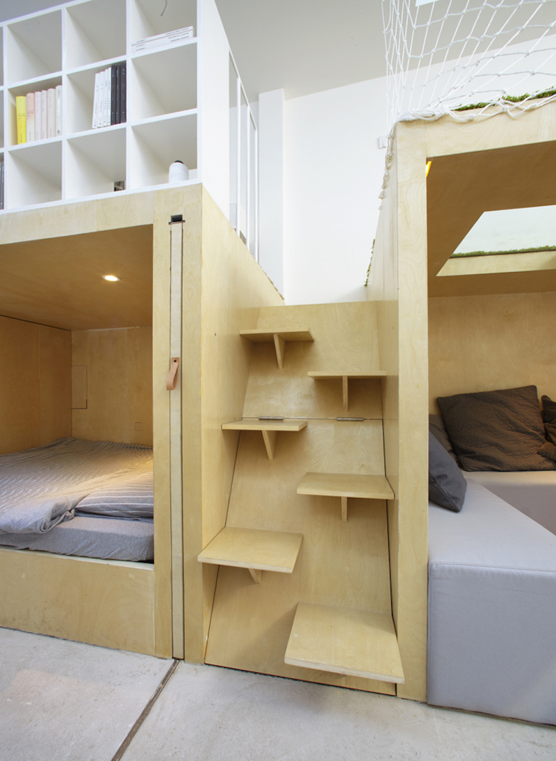 Tiny house in Dongcheng shelf stairs