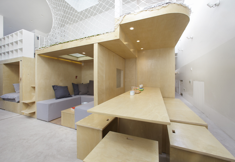 Tiny house in Dongcheng table and chairs