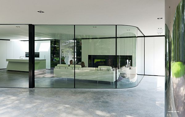Villa with clear glass wall