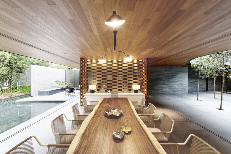 Wall-House-dining-room-raw-edge-table