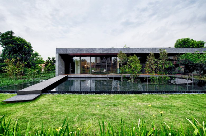 Wall-House-outdoor-landscape