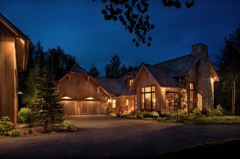 Woodland chalet in Idaho night view