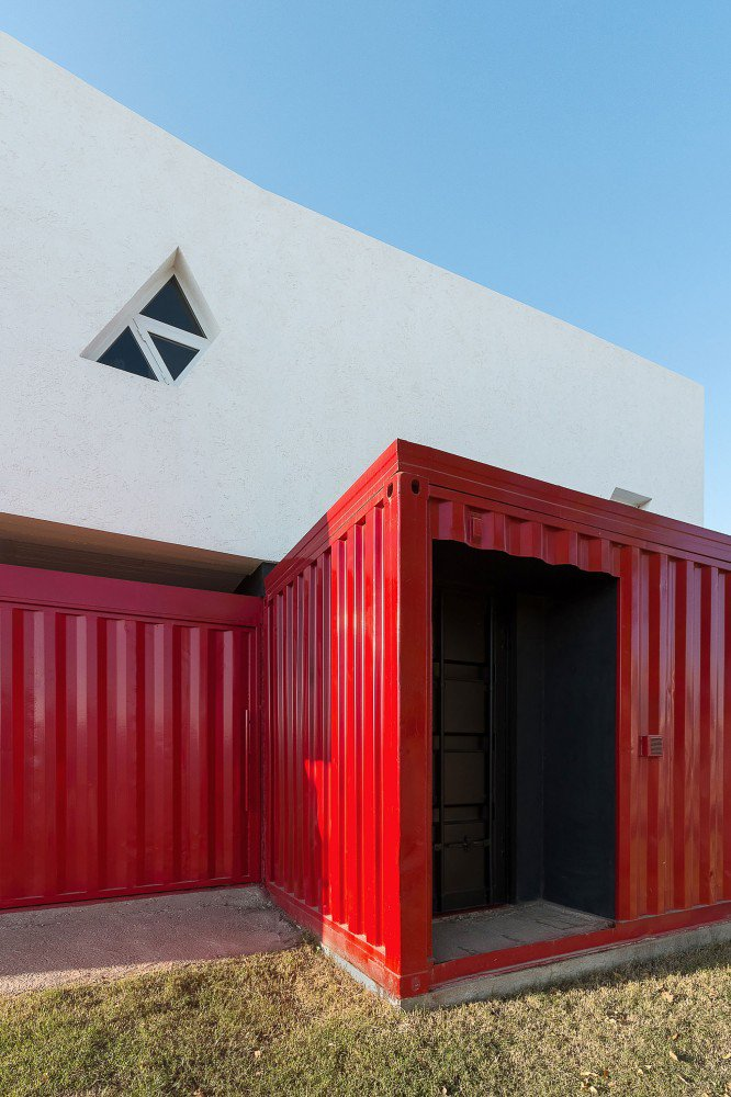 container-home-argentina-entrance2