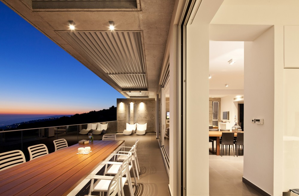 cyprus-residence-outdoor-dining-area