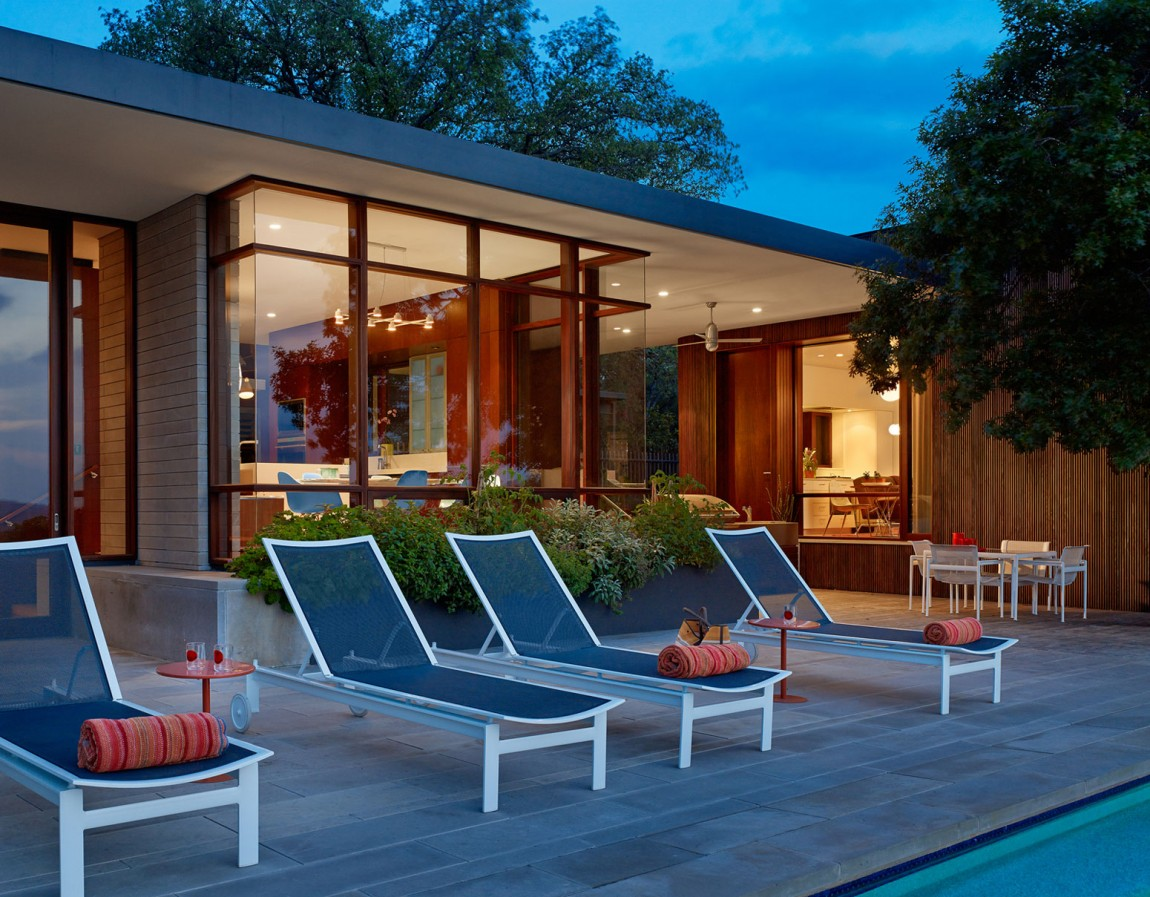 lake view residence outdoor lounge area