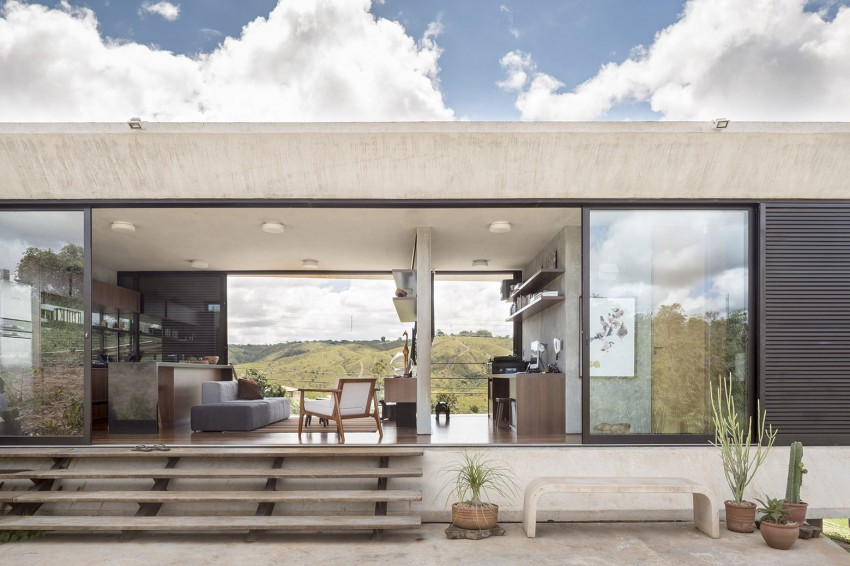minimal house in brazil division of rooms