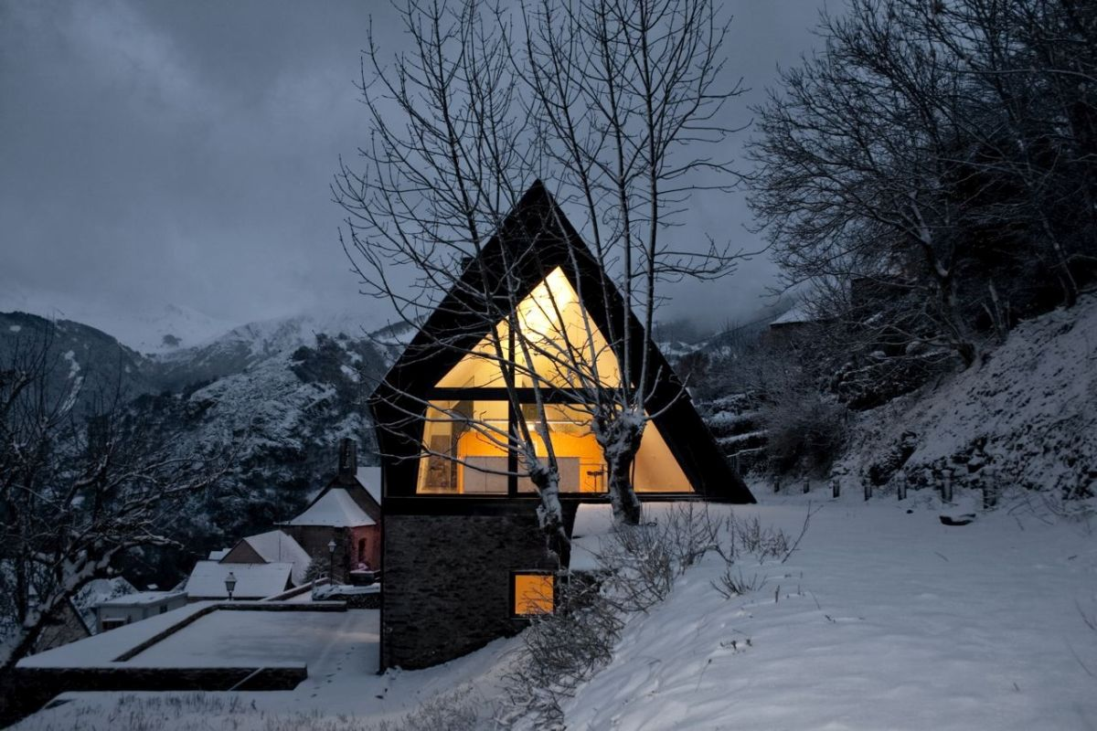 pyrenees home for two at night