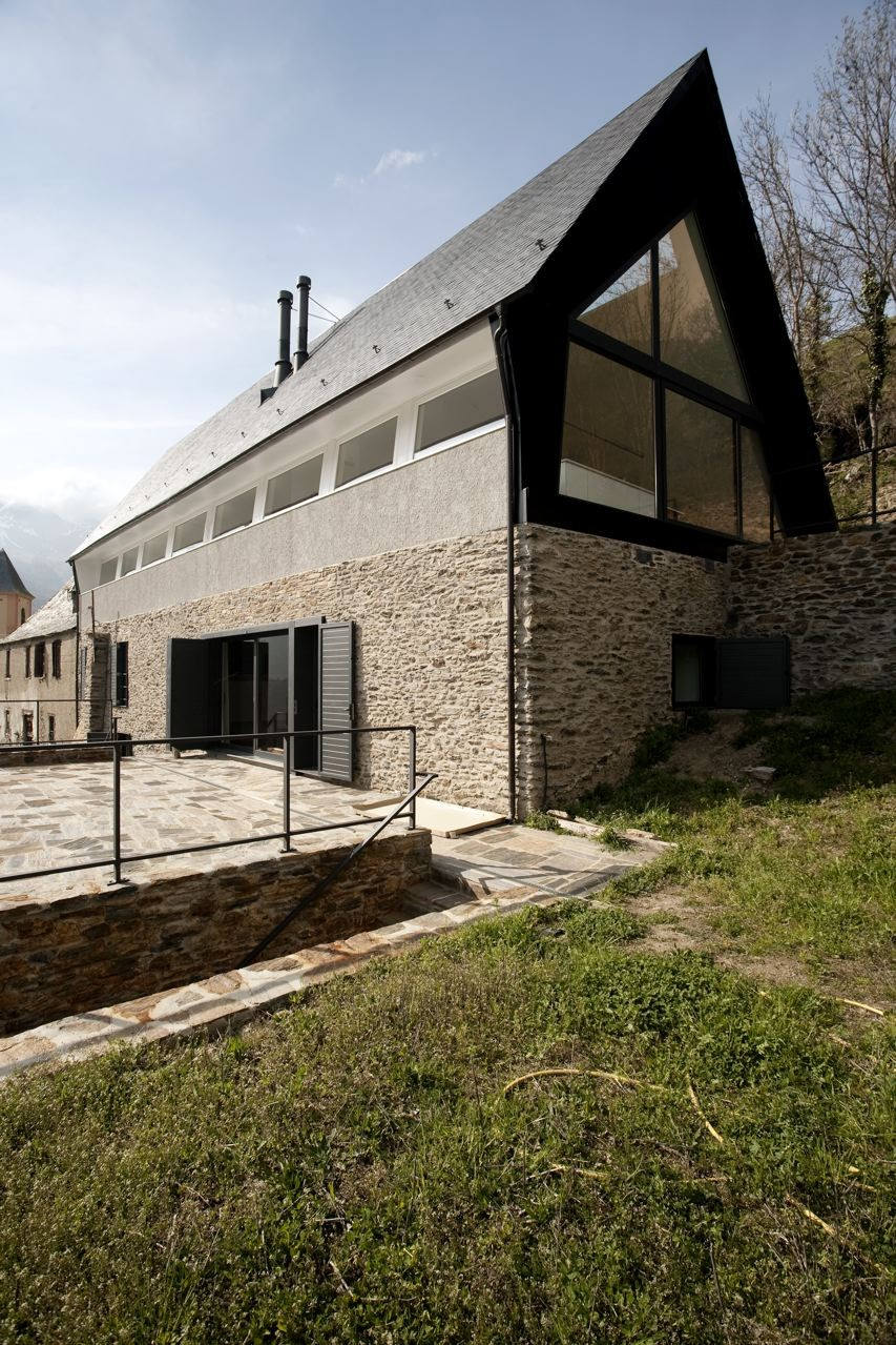 pyrenees home for two existing structure
