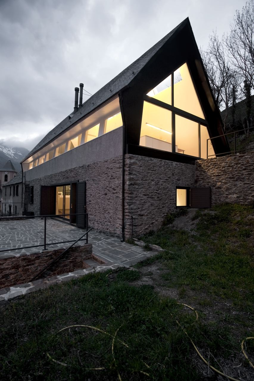 pyrenees home for two stone portion