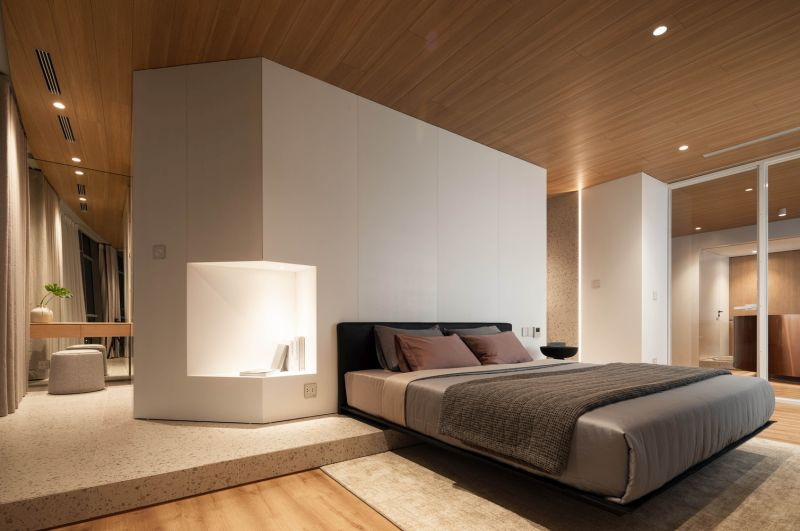 The bedrooms feel very open and spacious as well thanks to the glass dividers