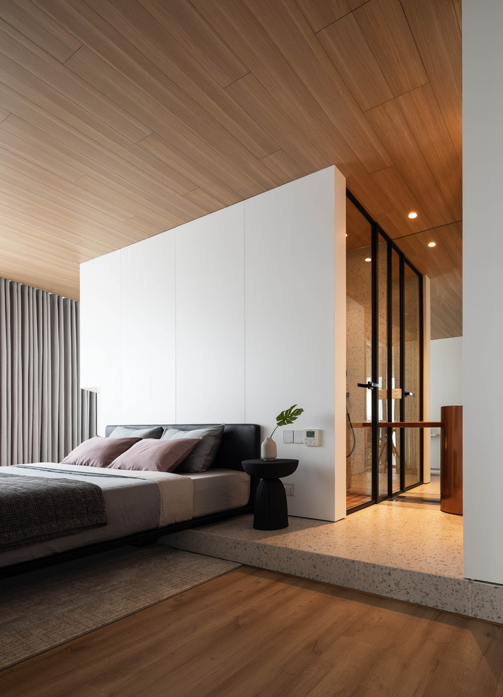 The slight variations in floor height help to distinguish between different areas within the same room