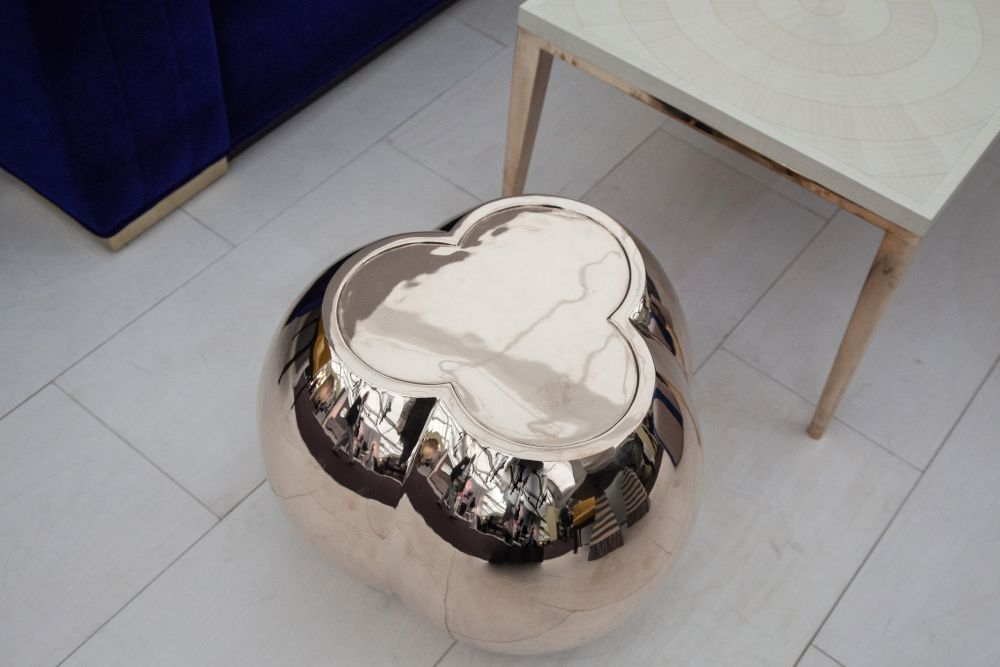 BGB side table 33kg weight