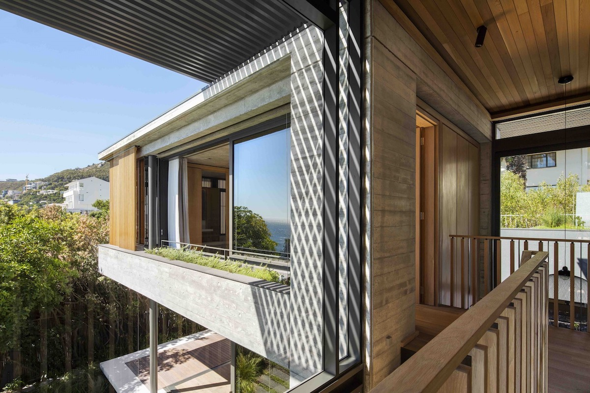Some of the volumes are cantilevered and this allows them to capture the best views
