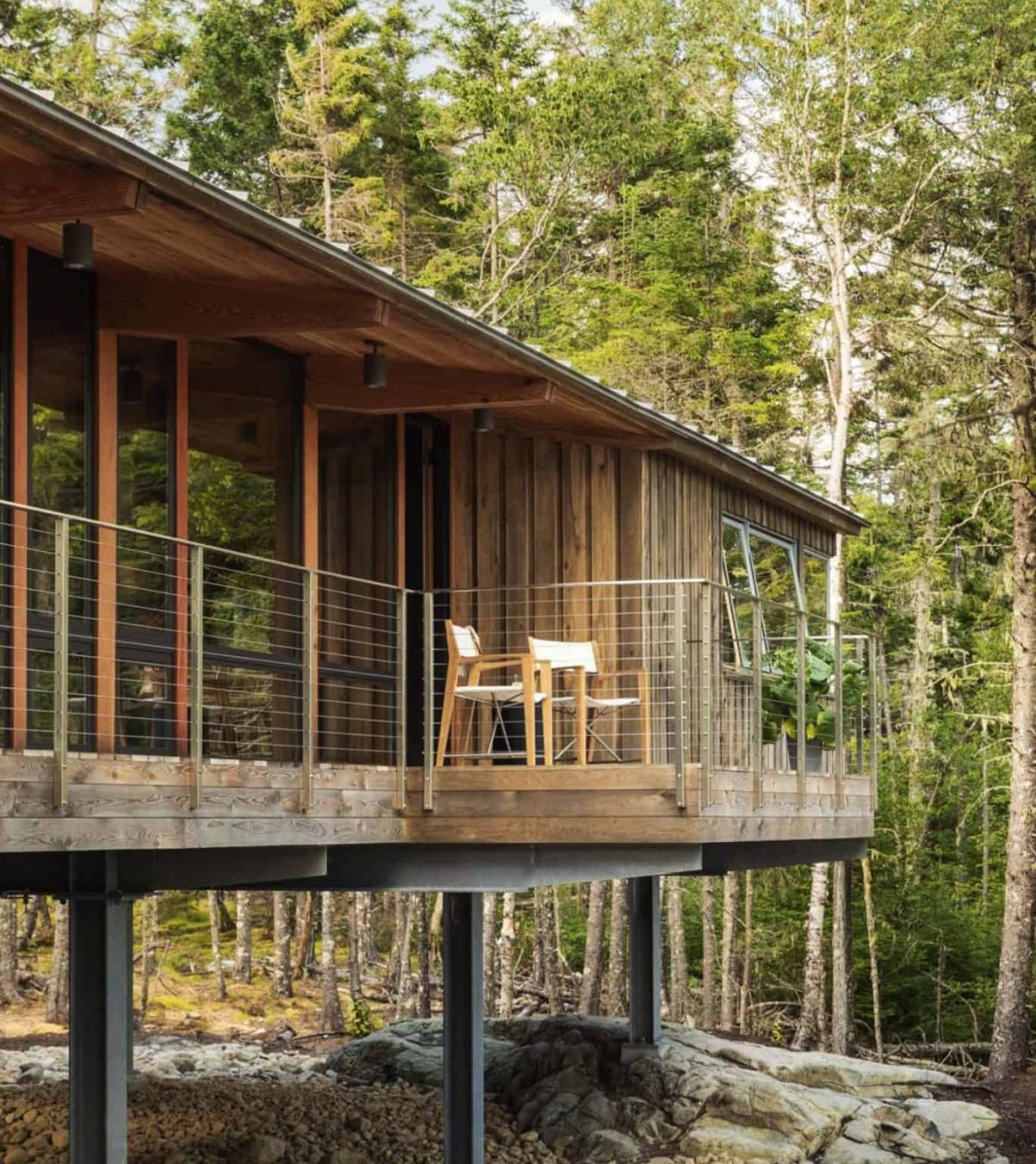 By raising the cabin on stilts, the architects allowed the area below to be preserved