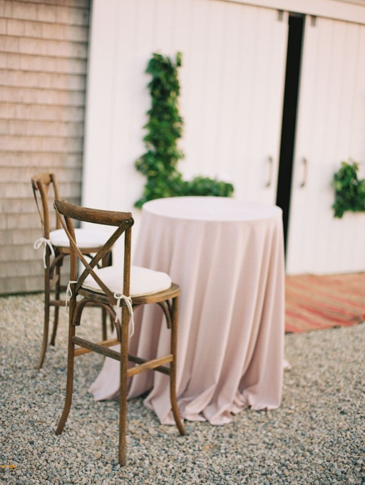 Cocktail table with Stool Chairs