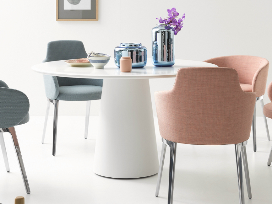 Conic lacquared round table