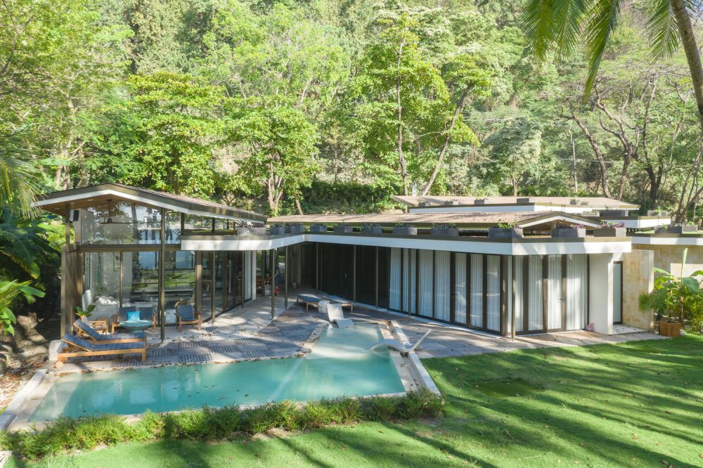 Casa Sare is a V-shaped structure which frames the swimming pool