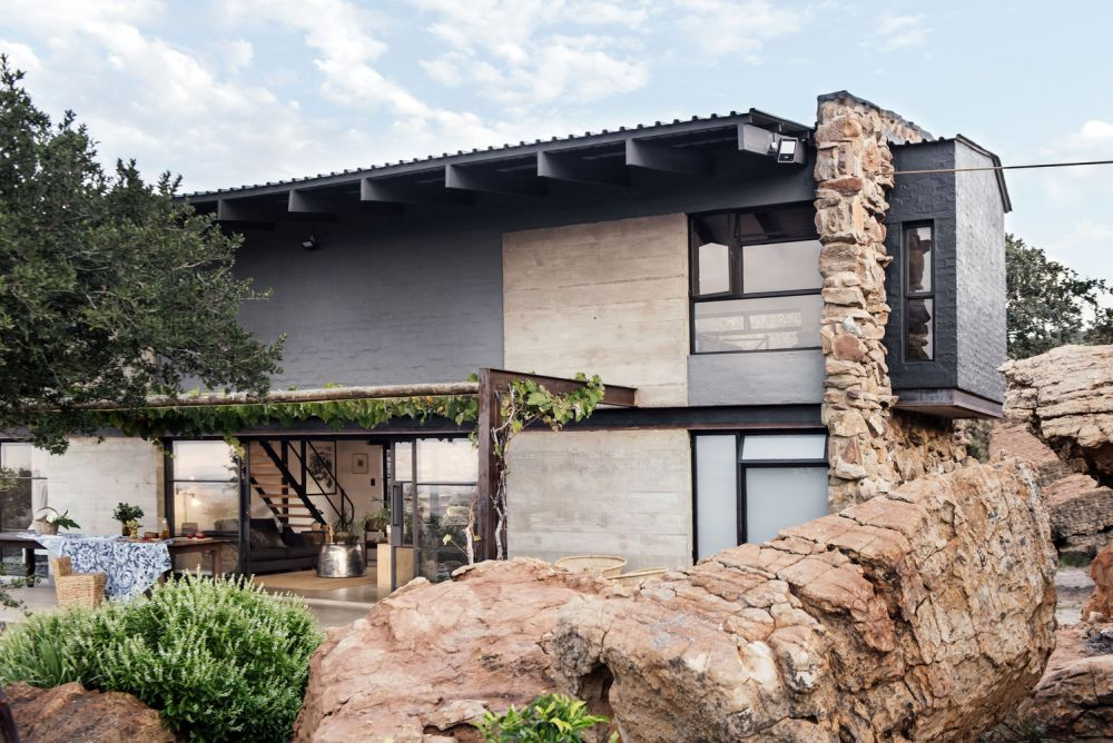 The house is 100% off the grid and built of simple and unprocessed materials