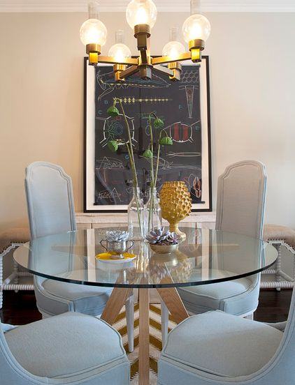 Cute and simple round glass dining table