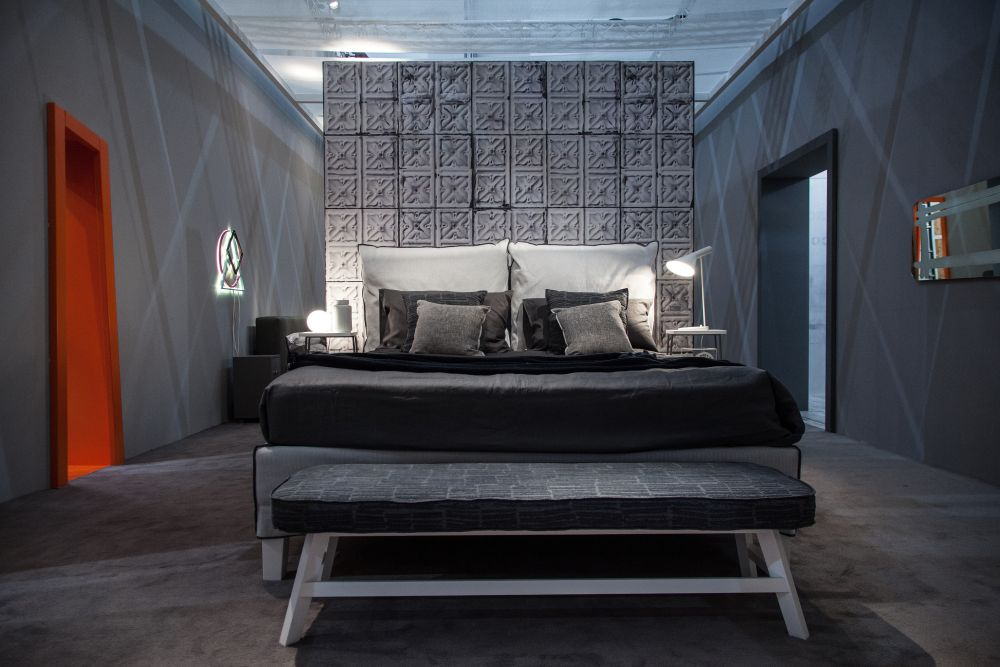 Focused color accents can impact the bedroom is a sleek and eye-catching way