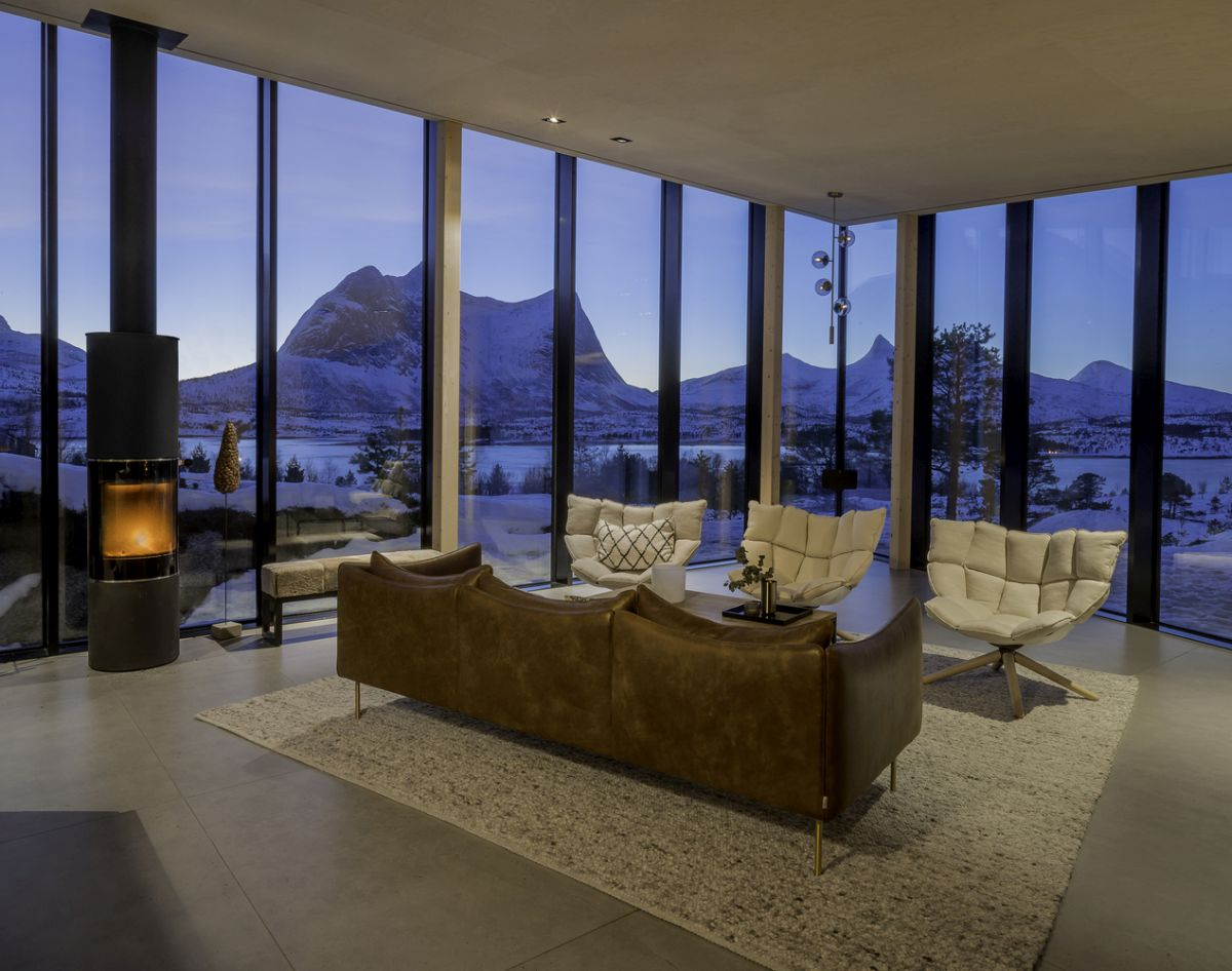 The living room is one of the open spaces which get to take full advantage of the panoramic views