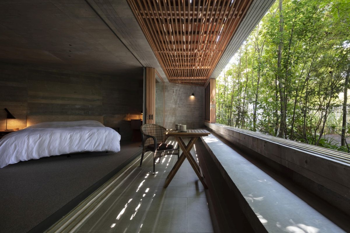 The trees forms a green shield around the house and offer it shade, privacy and protection against the wind