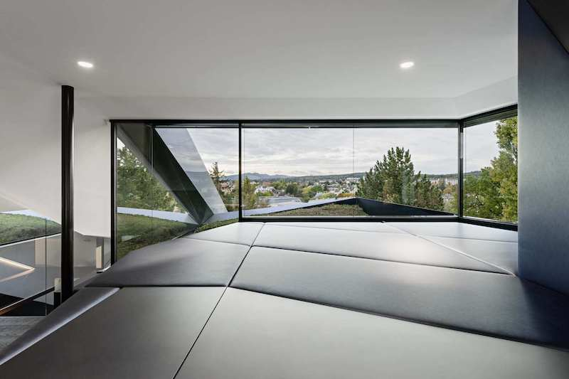 This is the perfect viewing platform from where to admire the views and to feel connected to the landscape