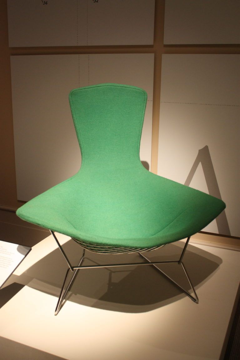 The color in this case enhances the simple and clean design of the chair