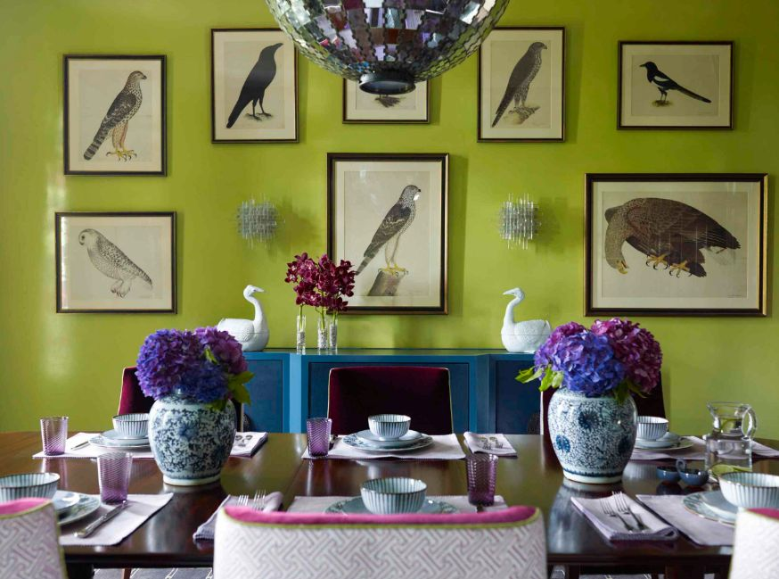You can either decorate a neutral wall with colorful artwork or the other way around