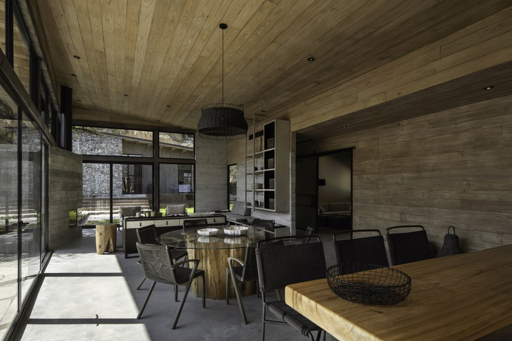 The materials and finishes were selected to reflect an eclectic style with rustic and industrial influences