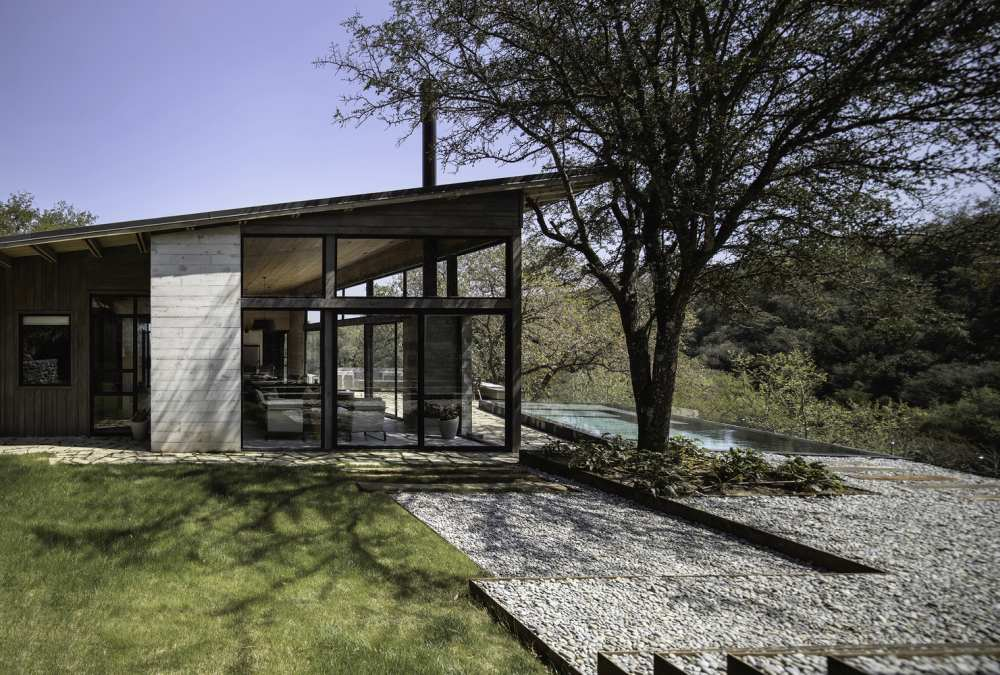 The overall design and geometry of the cabin are simple and aimed to complement the topography of the area rather than to stand out