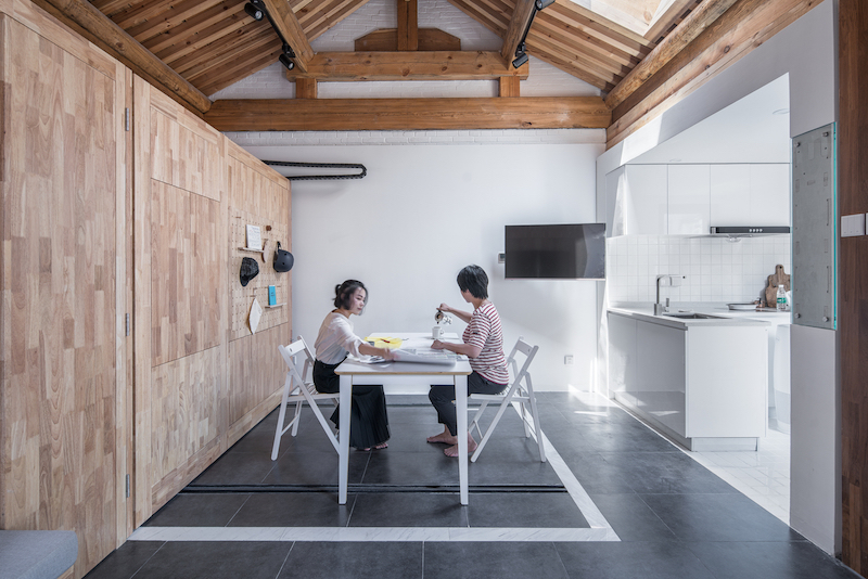The small floor plan is very flexible and allows several possible configurations to be created