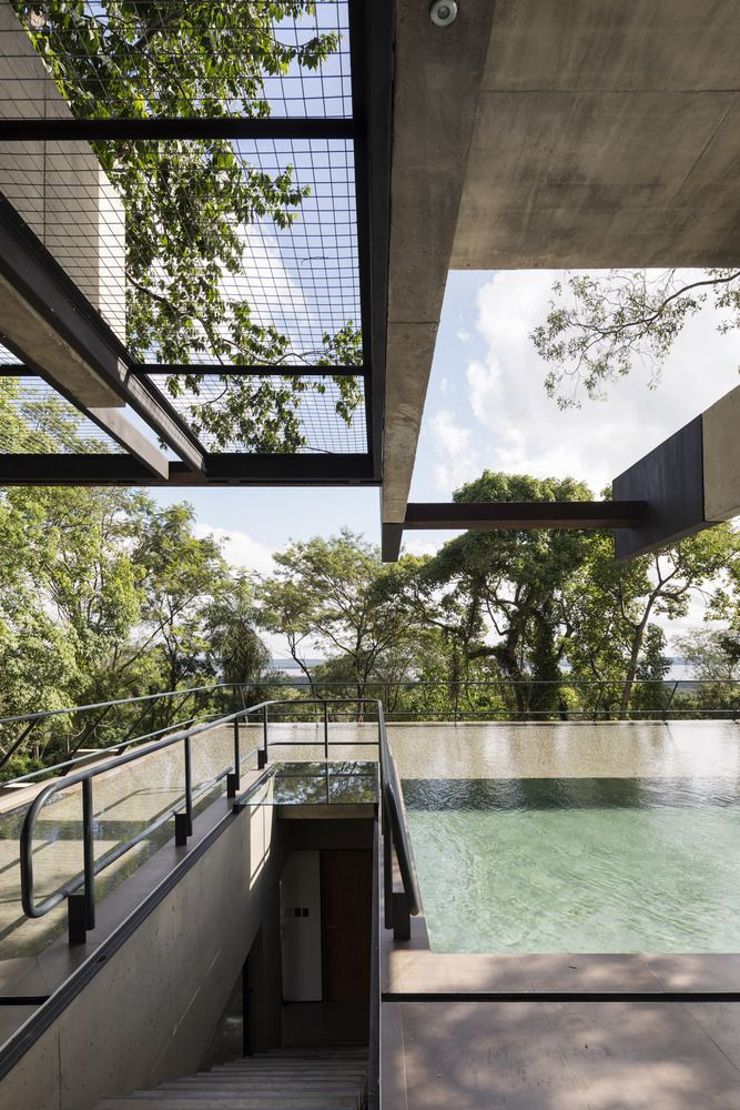 The house follows the slope and is organized on three levels, each with its own unique identity